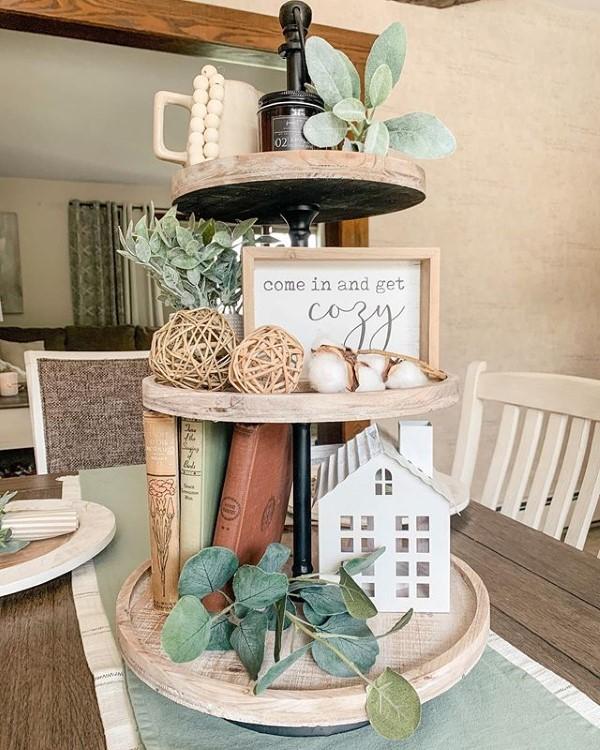 Etagere dekorieren – Ideen und Tipps für eine schöne und praktische Deko landhaus farmhaus esszimmer