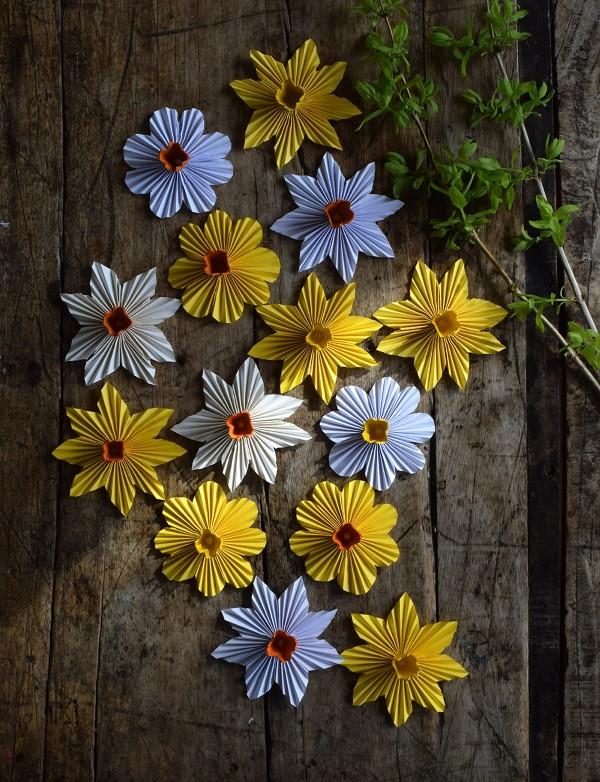 Frühlingsblumen basteln mit Kindern – Ideen und Anleitung für Anfänger und Profi-Bastler blumen deko interior diy