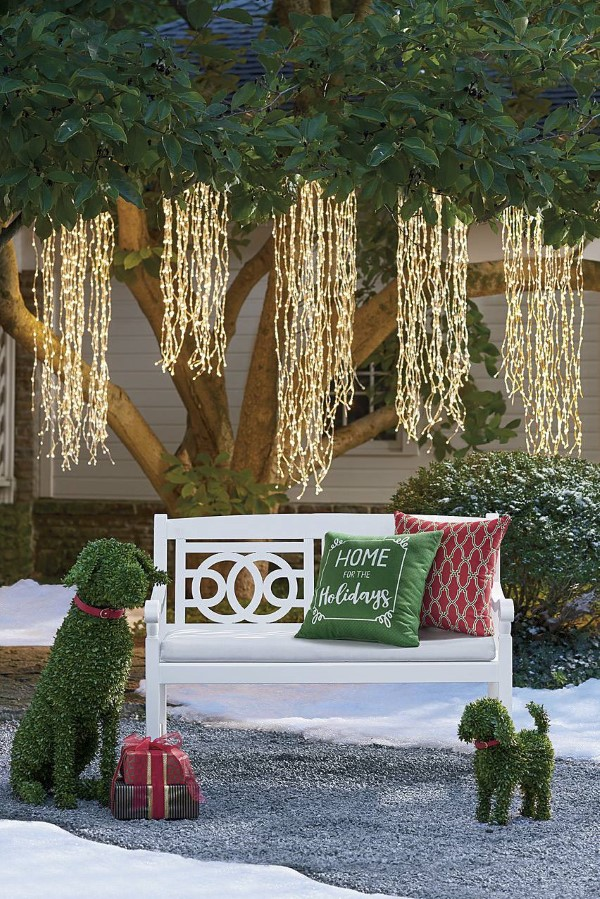Gartenbank dekorieren – Ideen und Tipps für ein zauberhaftes Gartengefühl grüne deko lichterkette