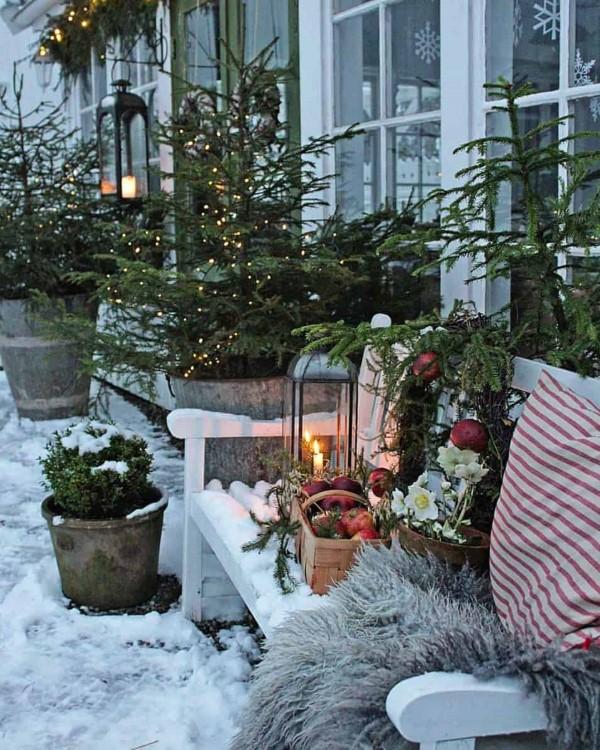 Gartenbank dekorieren – Ideen und Tipps für ein zauberhaftes Gartengefühl winterdeko weihnachten