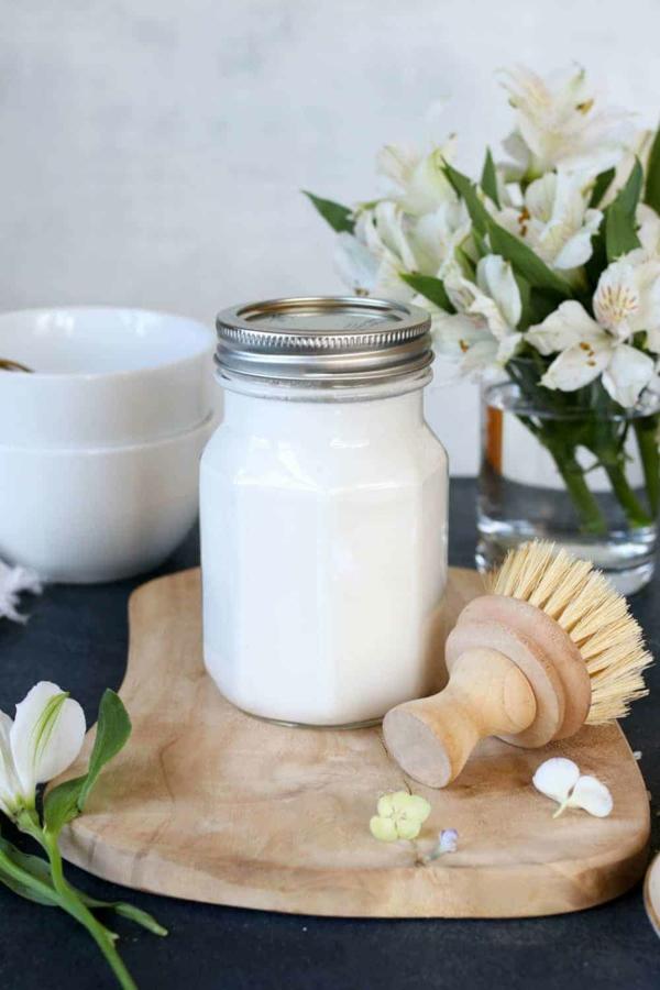 Geschirrspülmittel selber machen flüßig Bürste