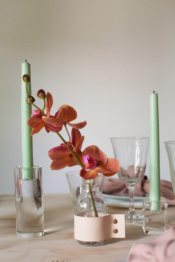 Glasvasen dekorieren – Ideen und Anleitung für künstlerisch begabte Bastler leder deko vase orchidee
