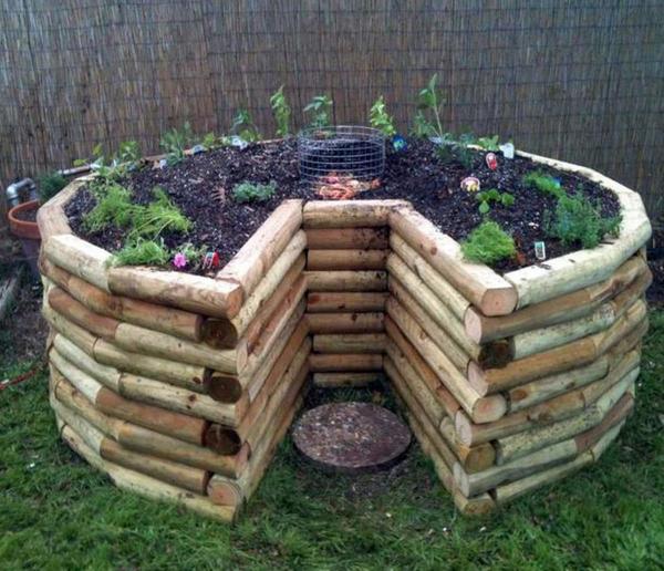 Hochbeet in Schlüssellochform aus Holz kreisförmig Kompostkorb in der Mitte Komfort beim Gärtnern