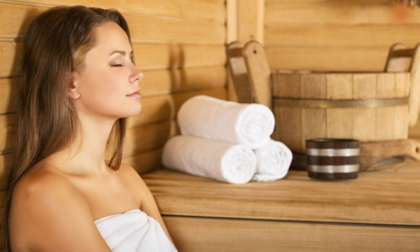Körper entgiften Entgiftung Körper Sauna Entgiftungskur