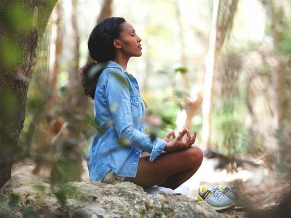 Lunge stärken Lungenkapazität verbessern Atemübungen im Freien