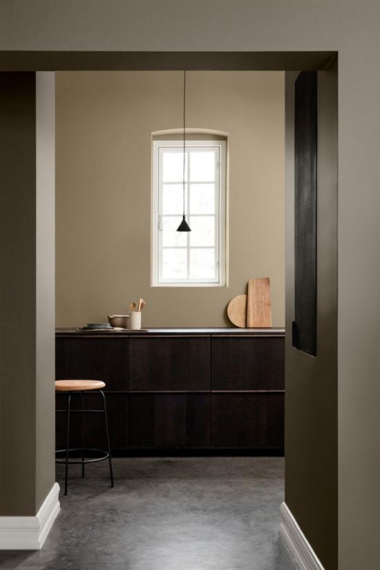 Mehr Farbe ins Interieur bringen minimalistisch gestaltete Küche zwei Brauntöne kombinieren einen einheitlichen Look erzielen