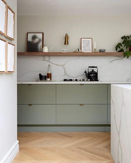 Mehr Farbe ins Interieur bringen minimalistische Küche weißer Marmor Kücheninsel rechts Grau dominiert
