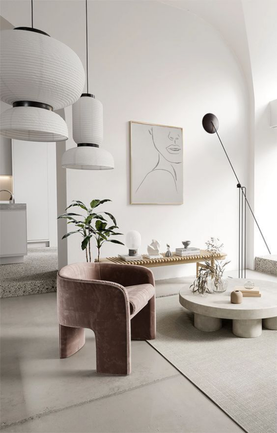 Mehr Farbe ins Interieur bringen schickes stilvolles Ambiente hellgrau dominiert Sessel als Blickfang