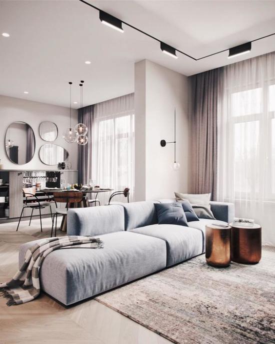 Mehr Farbe ins Interieur bringen sehr ansprechendes Wohnzimmer helles Flieder Himmelblau in stilvoller Kombi