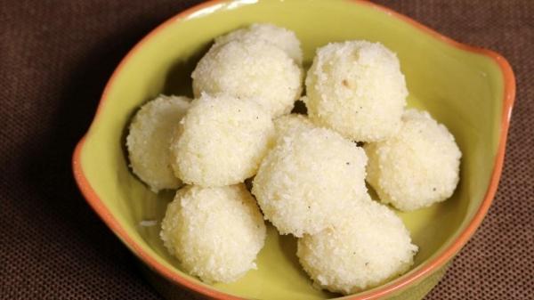 Milchmädchen Rezepte nach indischer Art 10 köstliche und schnelle Dessert Ideen coconut ladoo