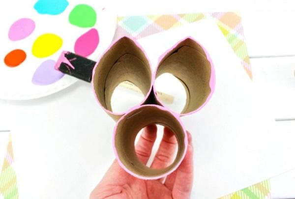 Osterbasteln mit Kindern Osterhase abdrucken Toilettenpapierrollen