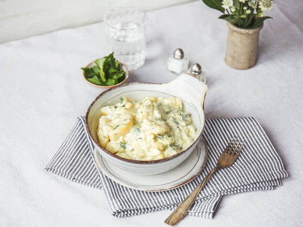 Ostereier verwerten klassisches Eiergericht aus Omas Zeiten Eierragout