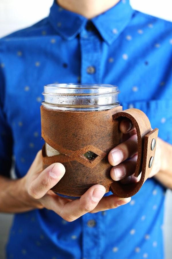 Vatertag Geschenk basteln – Wissenswertes und kreative Bastelideen leder tasse hülle