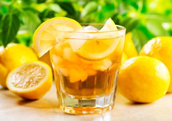 Zitronendiät Entgiftungsgetränk zubereiten Limonade
