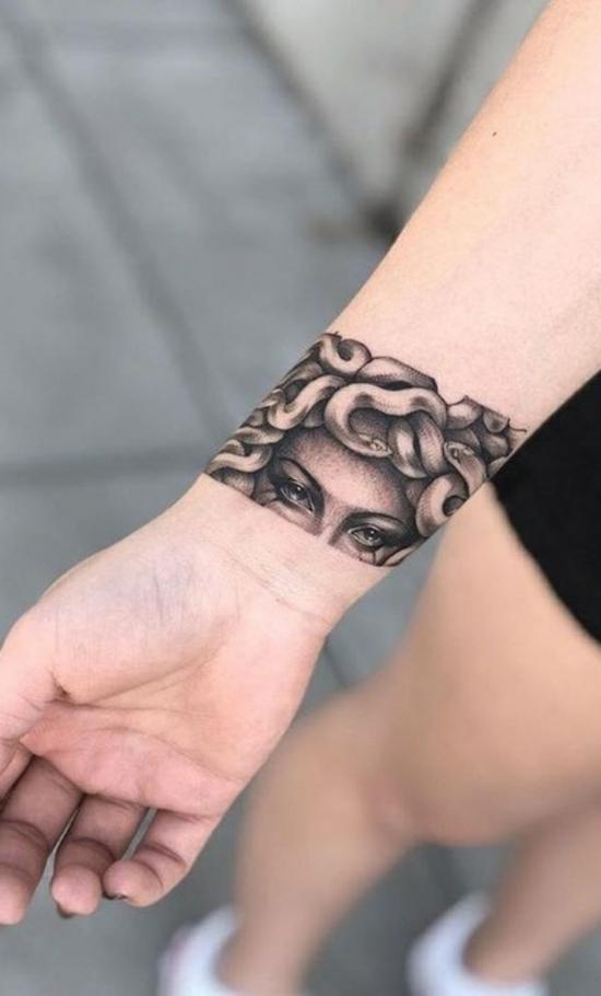 armband tattoo blackwork meduza
