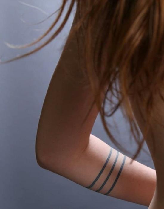 armband tattoo damen blackwork linien