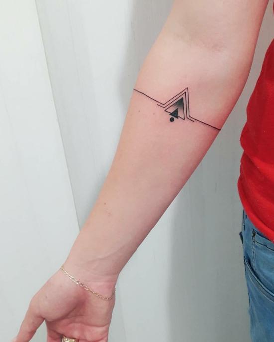 armband tattoo damen micro geometrische muster