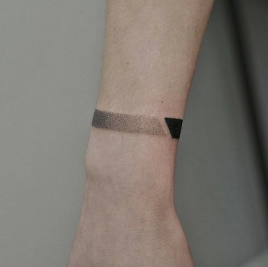 armband tattoo männer blackwork