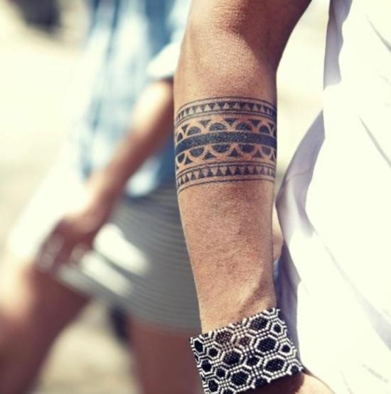 armband tattoo maori motive männer