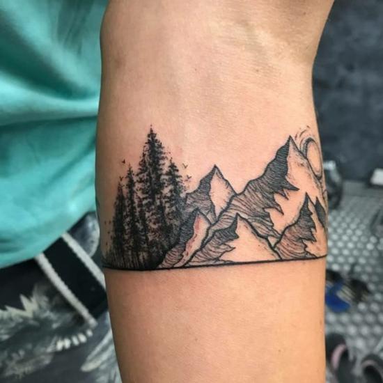armband tattoo panorama gebirge