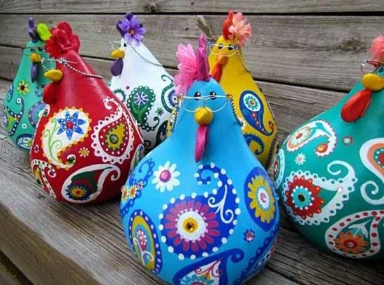 bunte hühner basteln gartendeko selber machen