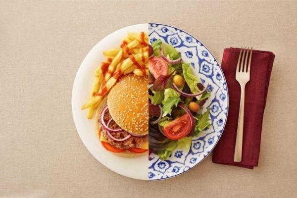 gesund abnehmen nach der 8020-Regel viel frisches Gemüse essen keine Chips kein Hamburger