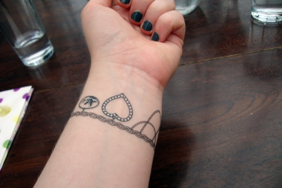 herz armband tattoo damen
