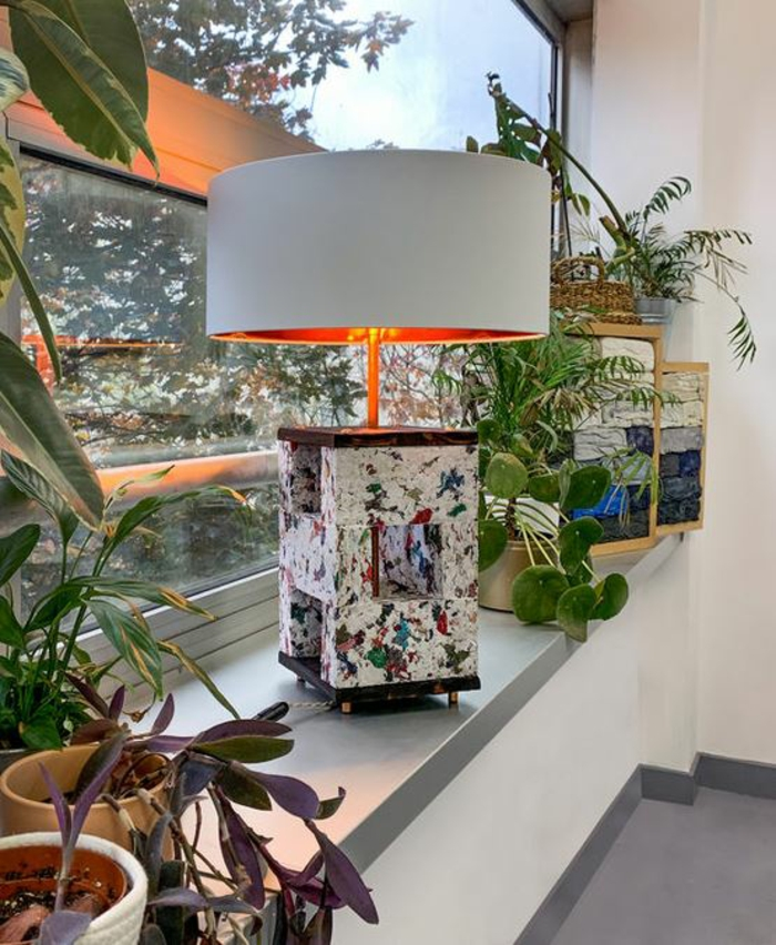 kleidung recycling bausteien deko ideen leuchtobjekte lampe recycled material