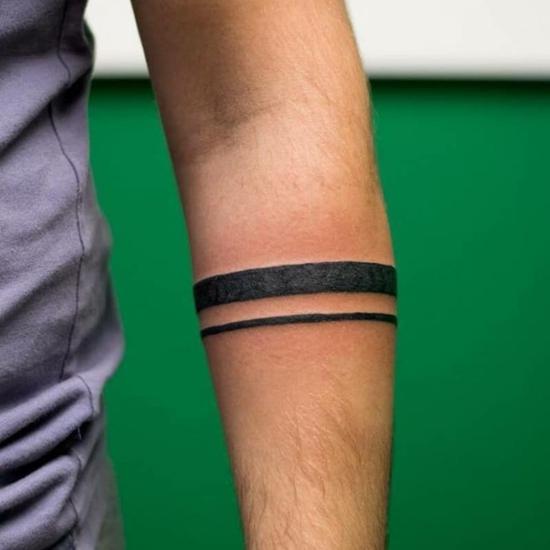 originelles armband tattoo männer linien