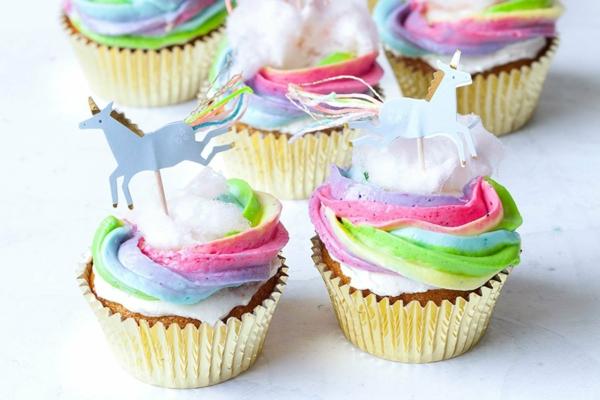 regenbogen creme einhorn muffins selber machen