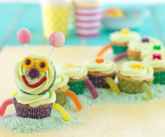 süße raupe basteln mit cupcakes