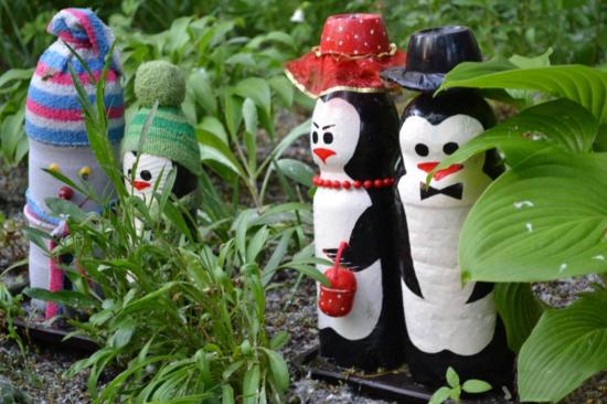 upcycling gartendeko selber machen pinguine pet flaschen