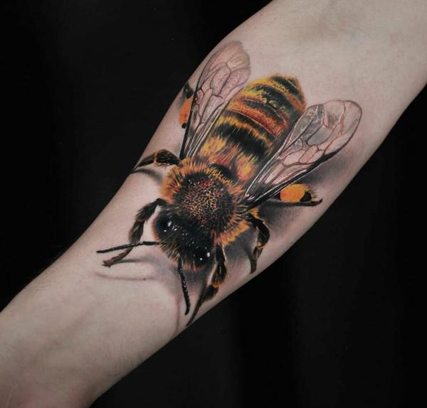 3d tattoo unterarm biene