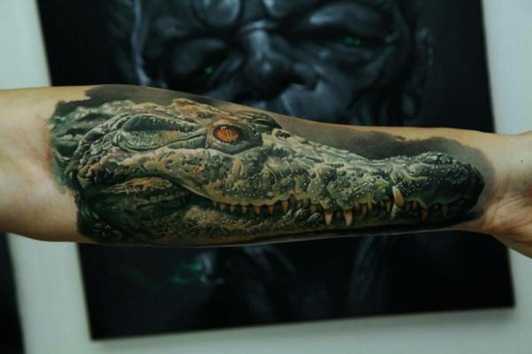3d tattoos inneseite arm krokodille