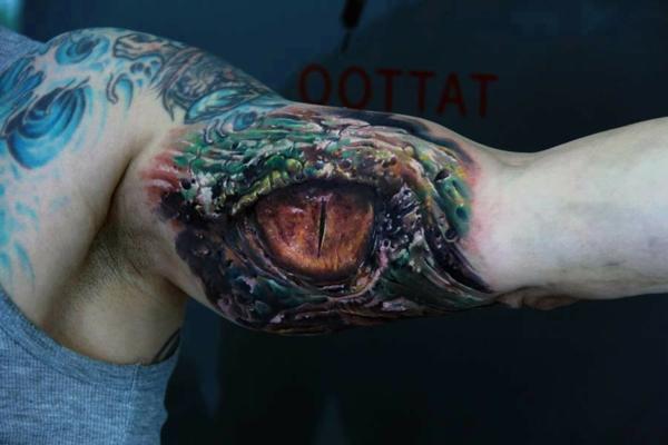 3d tattoos oberarm drachenauge