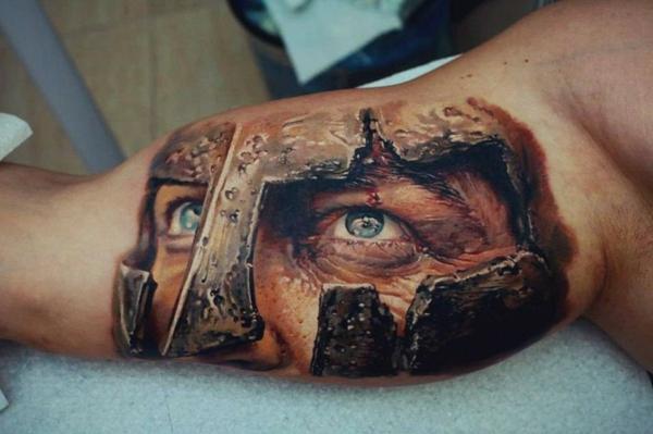 3d tattoos oberarm männer gladiator