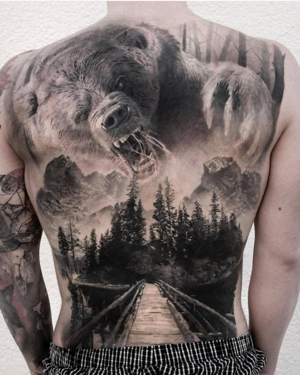 3d tattoos rücken bär wald