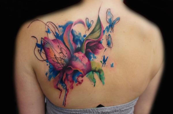 3d tattoos wasserfarben tätowierung schulter blumen