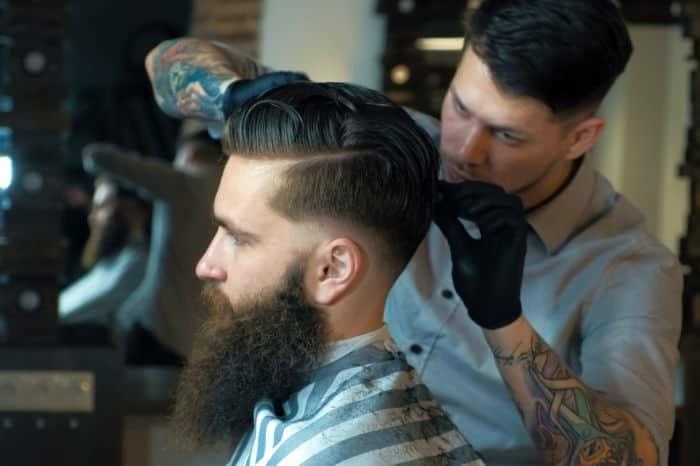 Boxerschnitt mit Übergang mit strich kurze haarschnitt fuer maenner