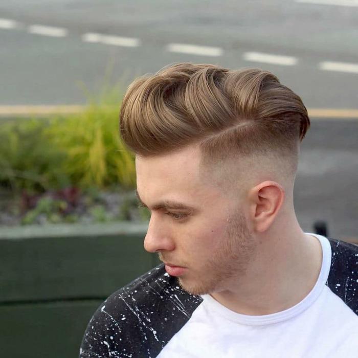 Boxerschnitt mit Übergang mit strich lockige haare und kurzhaar frisuren