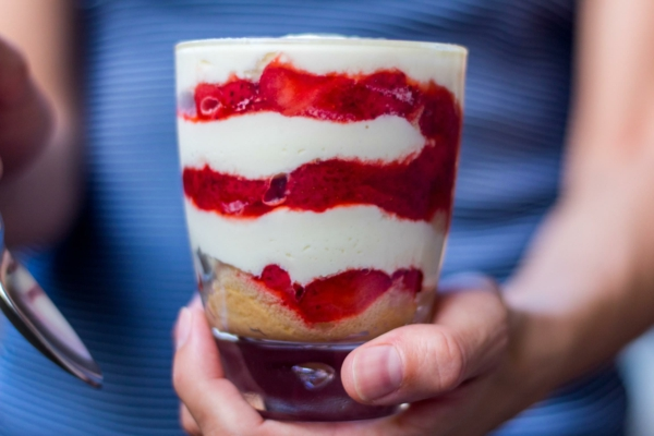Erdbeer-Tiramisu im Glas in zehn Minuten zubereiten