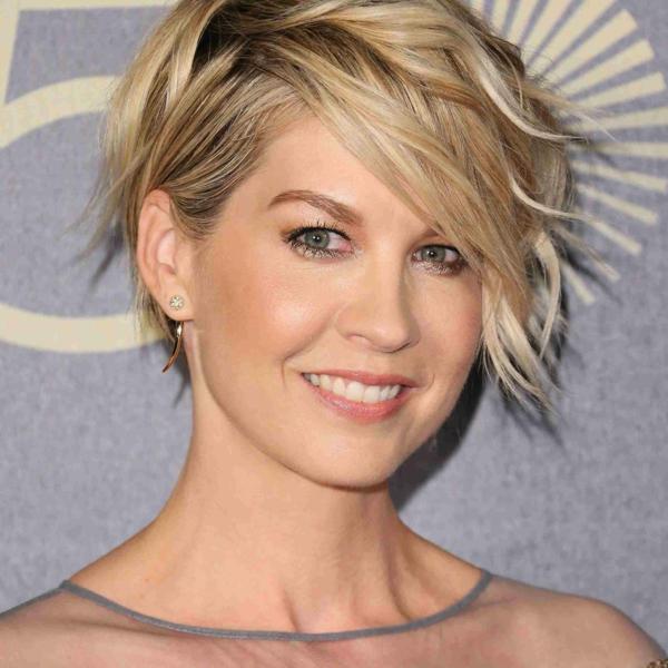 Frisuren für schmale Gesichter Haartrends asymmetrischer Haarschnitt