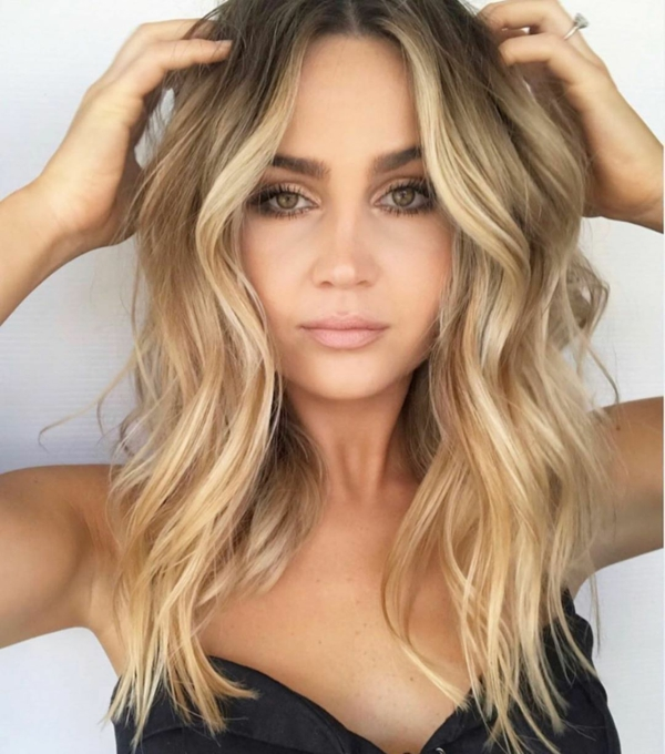Frisuren für schmale Gesichter Haartrends lange Haare Wellen