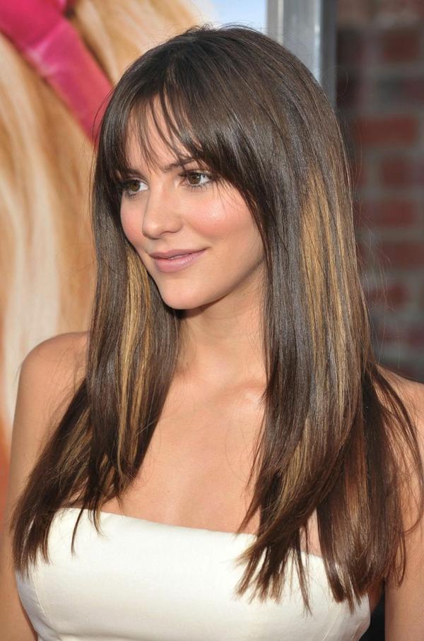 Frisuren für schmale Gesichter Haartrends lange Ponyfrisur