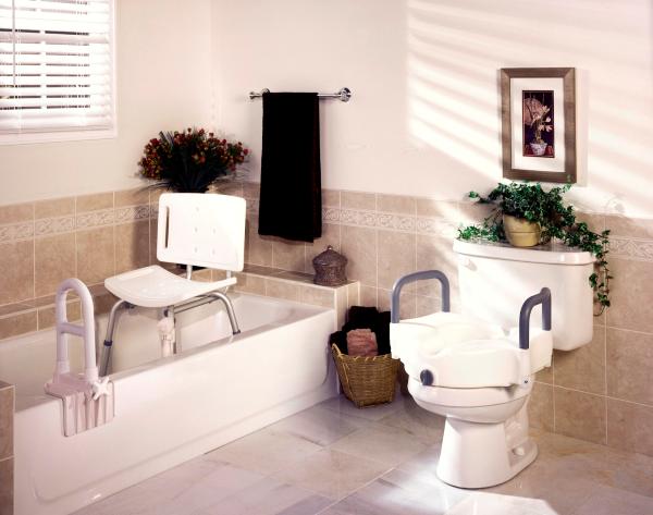 Geschickt umgebaut - Wohnen mit Pflegegrad badezimmer richtig für pflegebedürftige einrichten