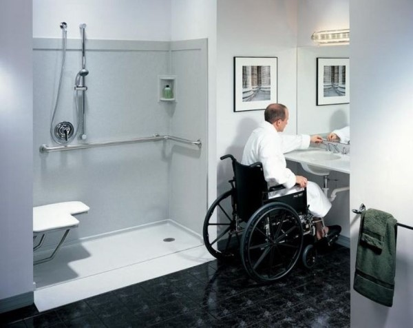 Geschickt umgebaut - Wohnen mit Pflegegrad badezimmer rollstuhl tipps
