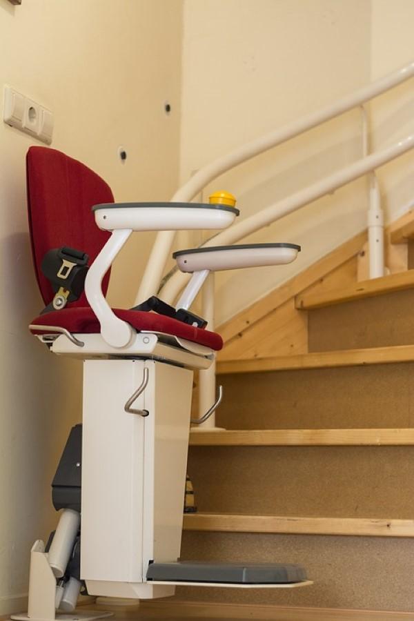 Geschickt umgebaut - Wohnen mit Pflegegrad treppen lift zuhause