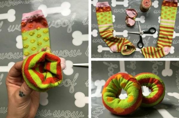 Hundespielzeug aus alten Socken basteln Donut