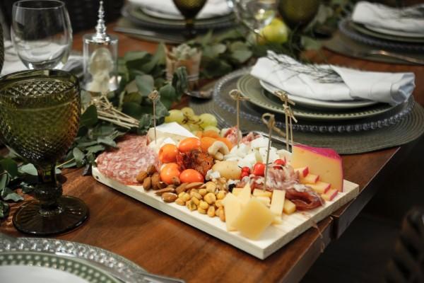 Käseplatte dekorieren – Tipps für eine perfekte Vorspeise essen käse gesund