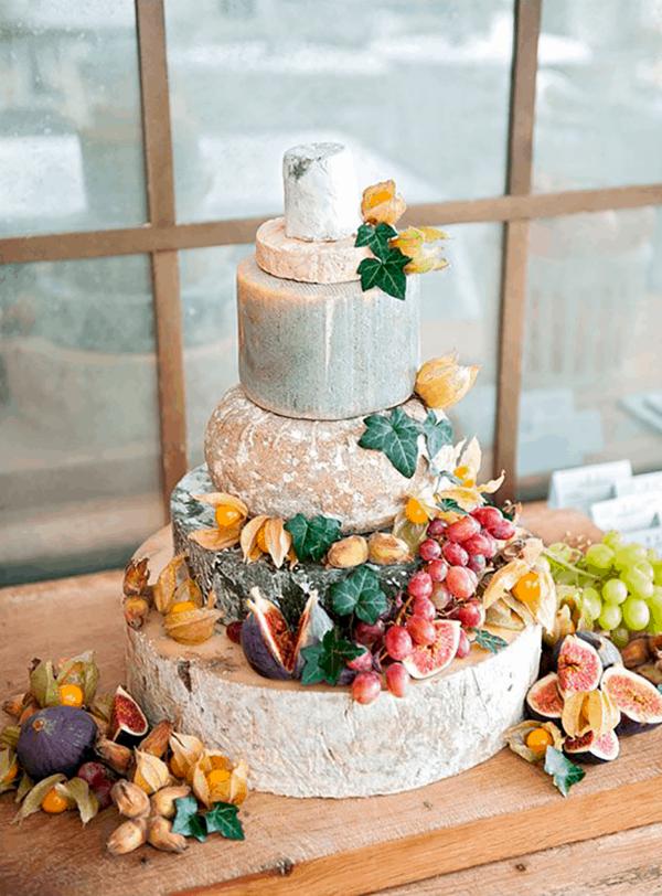 Käseplatte dekorieren – Tipps für eine perfekte Vorspeise käse torte alternative
